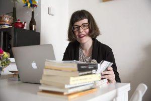 Lola Fernández de Sevilla ganadora VIII Premio Juan Cervera de Investigación sobre Teatro para la Infancia y la Juventud
