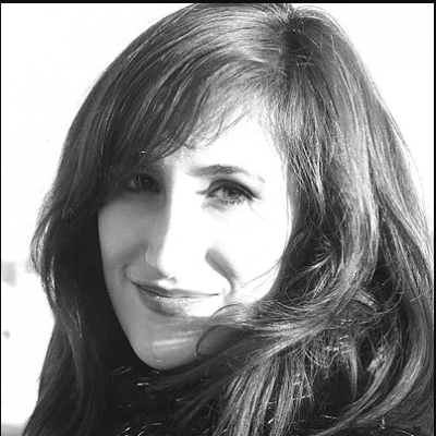 Laura J. García